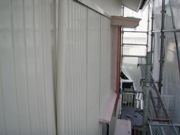 三好市 Y様邸 戸建 外壁塗装 屋根瓦止め漆喰 無機塗装コース中塗り完了2