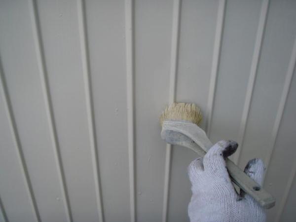 三好市 Y様邸 戸建 外壁塗装 屋根瓦止め漆喰 無機塗装コーストタン上塗り中